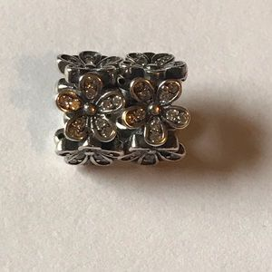 (2) flower spacers